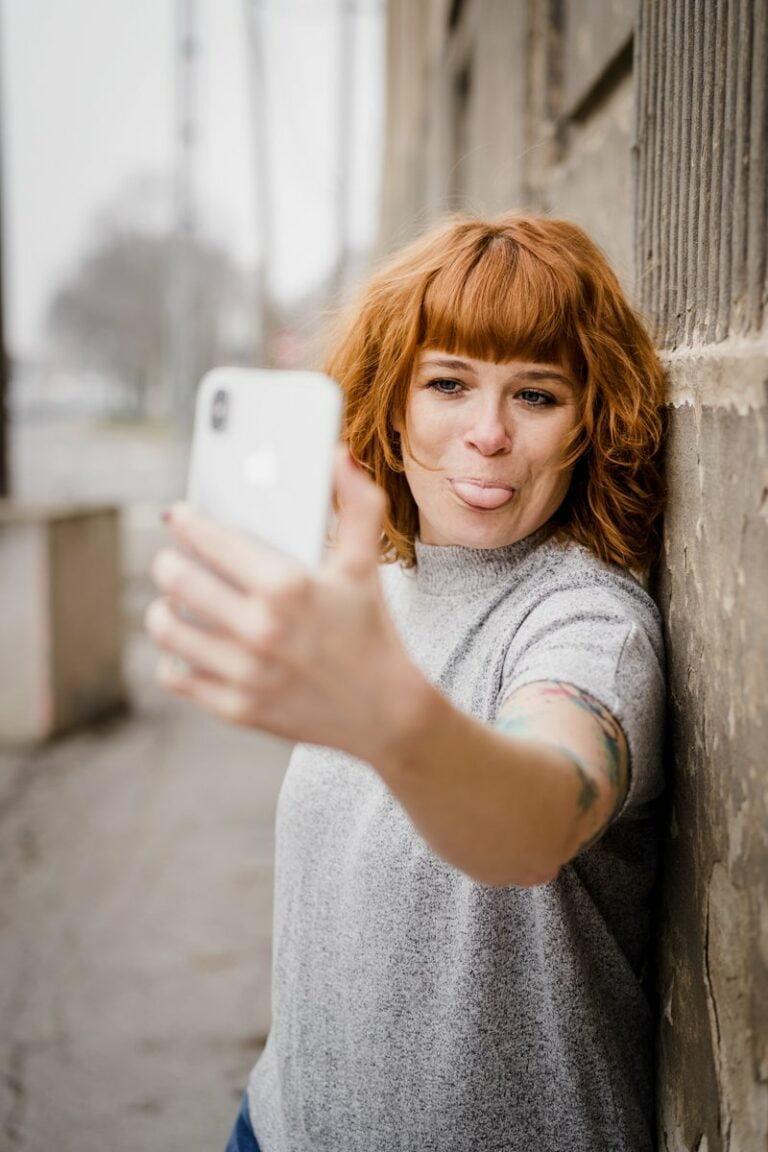 Miriam blitzt Miriam Mehlman Fotografie Selfie